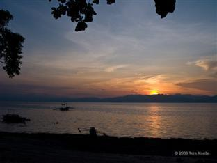 Barefoot White Beach Resort Cebu - Sunset View