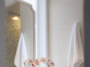 Dorsett Regency Hotel, Hong Kong Honkongas - Vonios kambarys