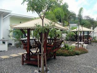 booking Chonburi Charlie's Bungalows hotel