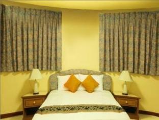 Omni Suites Aparts-Hotel Bangkok - 2 Bedroom Suite <BR> Master Bedroom