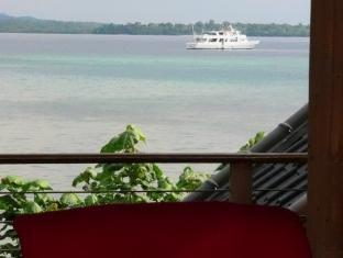 Isle of View Beach Resort And Guesthouse Loon - Balcony/Terrace