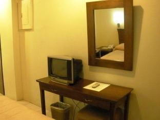 Isabel Suites Laoag - Gästrum