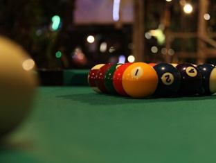 Sinar Serapi Eco Theme Park Resort Kuching - Pool Table