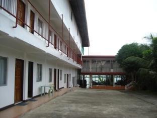 Ladaga Inn & Restaurant Bohol - Hotellet från utsidan