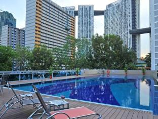 Orchid Hotel Singapore - Swimming Pool