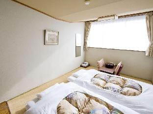 Japanese Single Room with Shared Bathroom