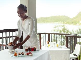 Raffles Praslin Seychelles guestroom junior suite