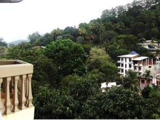 Majestic Tourist Hotel Kandy - Balcony/Terrace