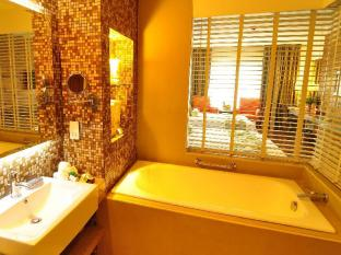 The Cocoon Boutique Hotel Manila - Deluxe Bathroom