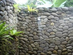 Suastika Bed & Breakfast Bali - Bathroom