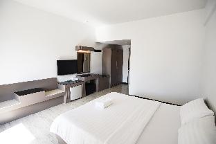 Hi Season Hotel guestroom junior suite