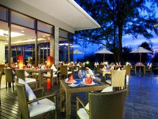Centara Grand West Sands Resort & Villas Phuket - Restaurant