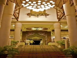 Java Hotel Laoag - Sisäänkäynti