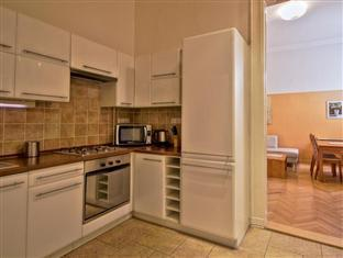 City Hotel Apartments - Vaci 7 Budapest - Kitchen