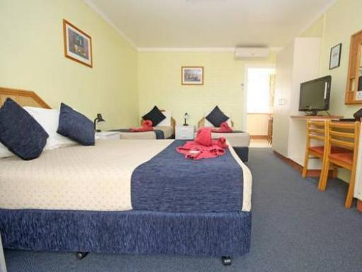 All Seasons Country Lodge hotel accepts paypal in Taree