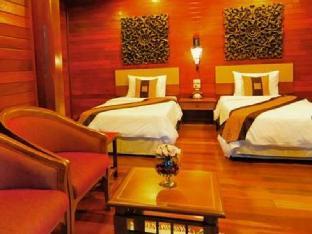 Ruen Kanok Thai House guestroom junior suite