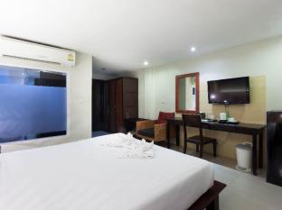 The Banana Leaf Hotel Phuket - Deluxe room