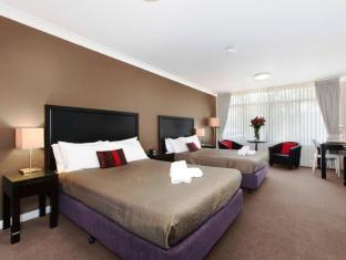 Checkers Resort and Conference Centre Sydney - Guest Room