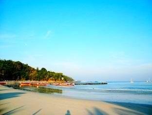 Baan Tawan Patong Phuket - 5 minute walk to the Beach