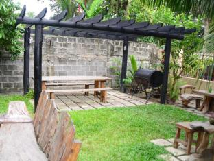 Edcelent Guesthouse Davao - Barbecue Area
