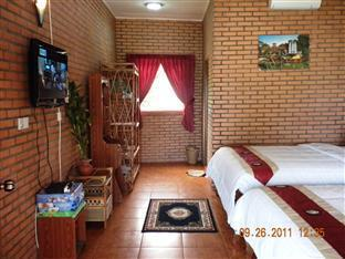 Long Villa Inn Kep - Family Room with terrace