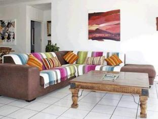 Fish Hoek Luxury Self-Catering Apartments Cape Town - Lounge Area