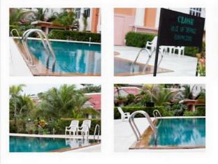 Dome Resort Phuket - Zwembad