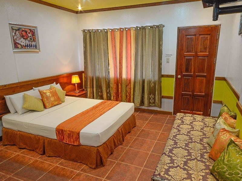 ビラ マニュエル ツーリストイン (Villa Manuel Tourist Inn)
