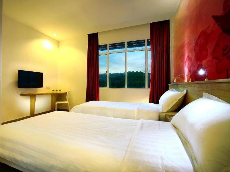 ファブホテル セナンビーチ ランカウイ