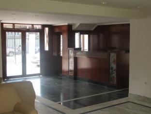 Holiday Plaza Hotel Srinagar - Reception
