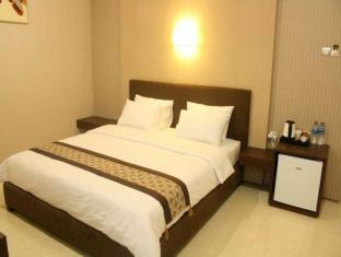 Feliz Guest House Surabaya - Junior Suite Room
