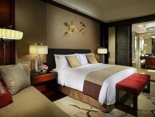 Crowne Plaza Chengdu Panda Garden Hotel Chengdu - 1 King Bed Deluxe Suite Nonsmoking