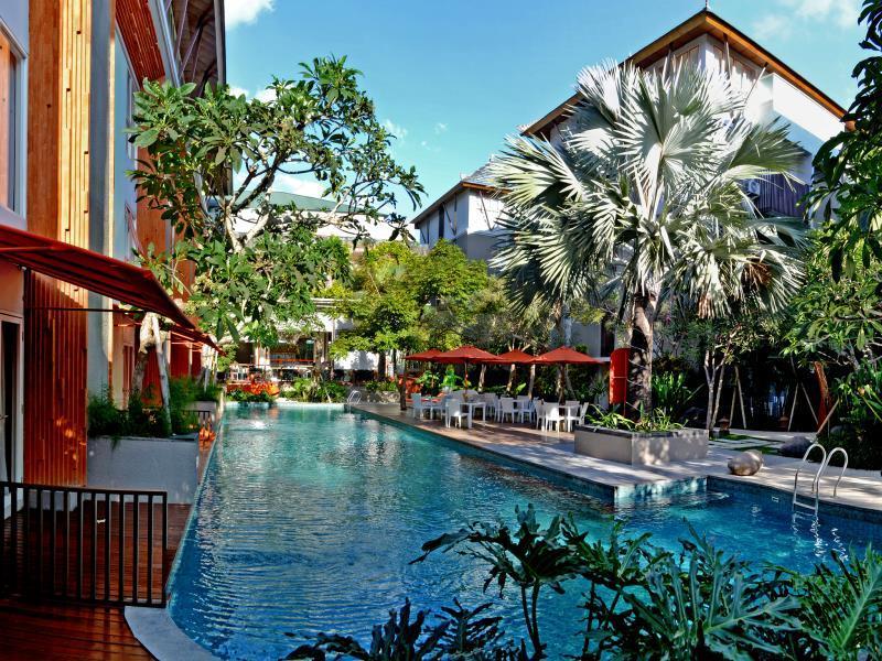 HARRIS Hotel & Residences Sunset Road