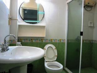 Chateau De Carmen Hotel Cebu - Bathroom