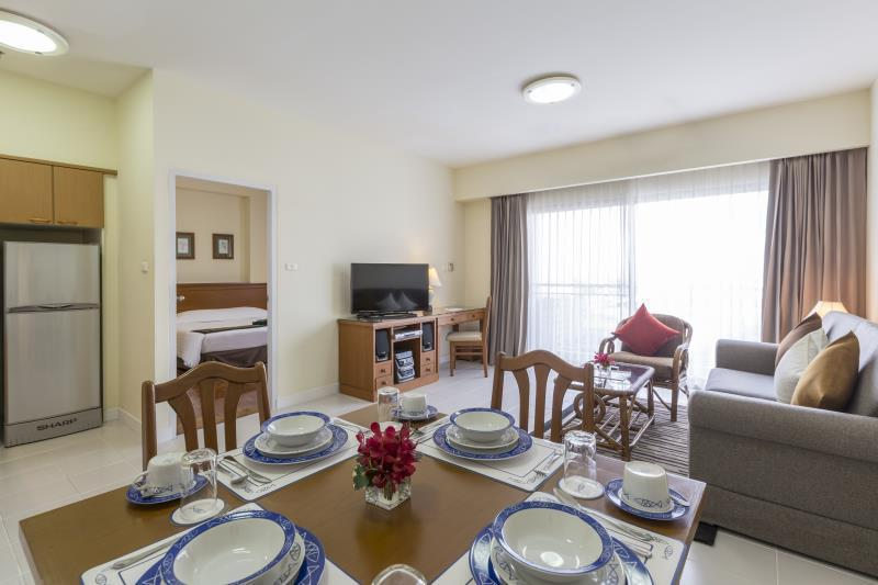 Kameo House Serviced Apartments, Sriracha,คามิโอ เฮ้าส์ เซอร์วิสอพาร์ทเมนท์ ศรีราชา
