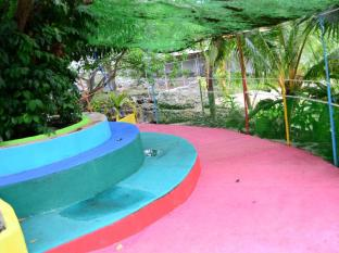 Eden Resort Cebu City - Parque Infantil