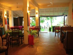 Sea Garden Hotel Negombo - Restaurant