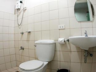Philippines Hotel Accommodation Cheap | Hotel California Cebu - Bathroom