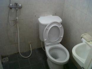 Permata Guest House Semarang - Bathroom | Bali Hotels and Resorts