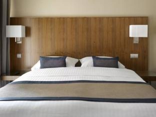 K+K Hotel Picasso guestroom junior suite