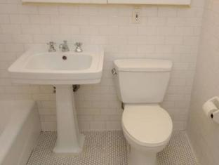 East Broadway Suite Apartment New York (NY) - Badrum