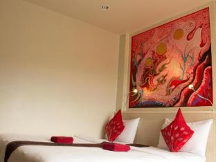 Hi-QC Place Phuket - Superior City View-Double Bed