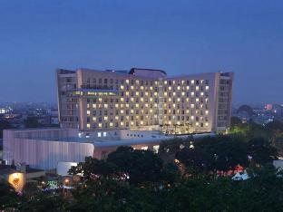 Santika Premiere Dyandra Hotel & Convention – Medan