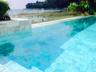 Kalim Beach Place Phuket - On Beach Sea-View Villa 3 Bedroom pool