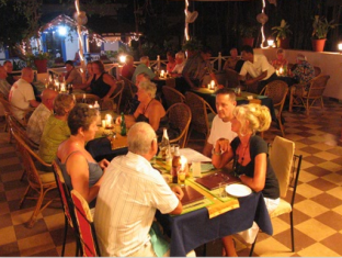Rising Wave Holiday Home North Goa - Restaurant