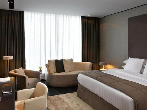 ➦  Melia International Hotels    customer rating