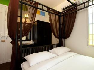 99 Oldtown Boutique Guesthouse Phuket - Standard Queen Room (Double Bed)