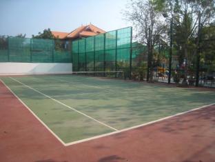 Maisons d'Amis de Khuon Tour Phnom Penh - Tennis Course