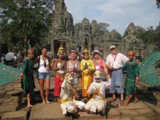 Maisons d'Amis de Khuon Tour Phnom Penh - Famille Angkor Wat