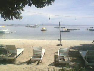 Bitaug Beach Resort Bohol - Strand